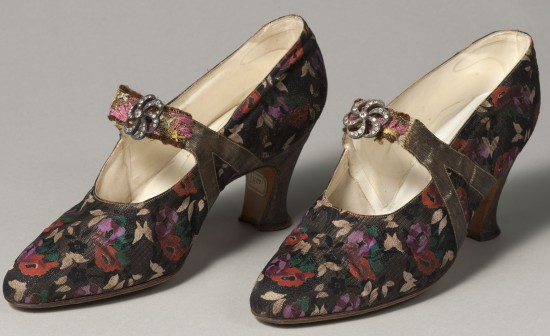 Evening Elegance - Shoes in Lamé and Leather by Hellstern & Sons 1925