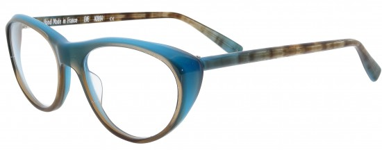 Cat eye chic in elegant colours by Pierre Eyewear