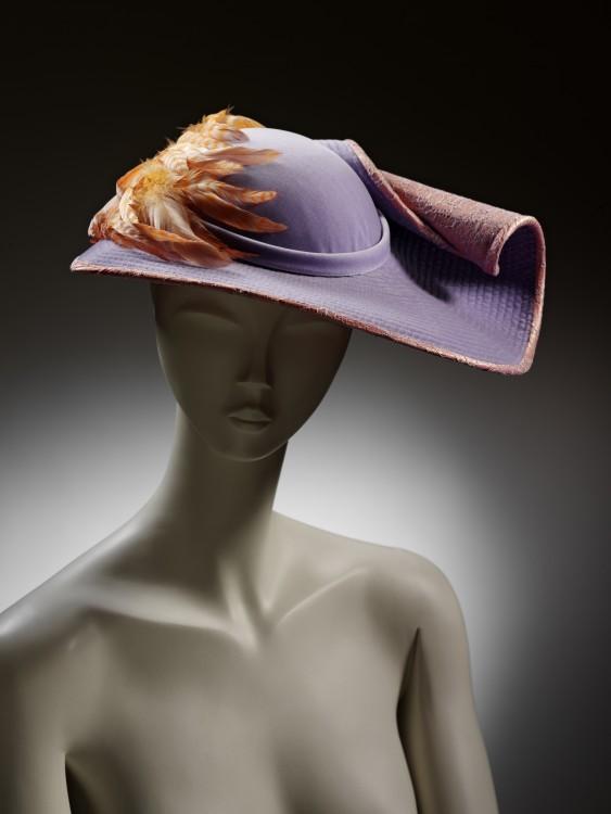 Hats  An Anthology by Stephen Jones - Eyestylist 02801ea8070