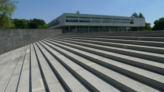 The elegant, pure lines of Kantonsschule Freudenberg, Zurich
