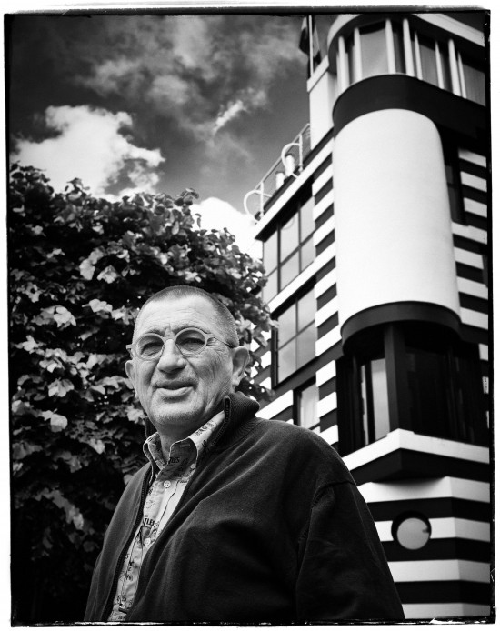 Theo founder Wim Somers in front of Huis Van Roosmalen Antwerp