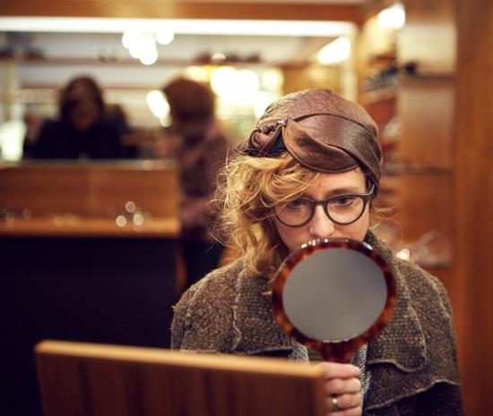 Client trying on frames at a Brillen Schneider open evening