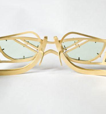 Artisanal eyewear jewellery: Anneleen Bertels